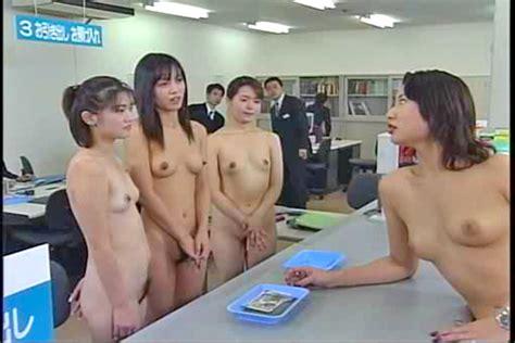 nude workers subway jpg 600x400