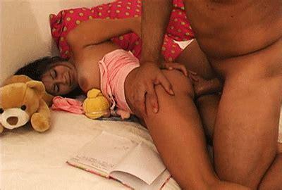 Dad gives daughter orgasm porn videos animatedgif 400x270